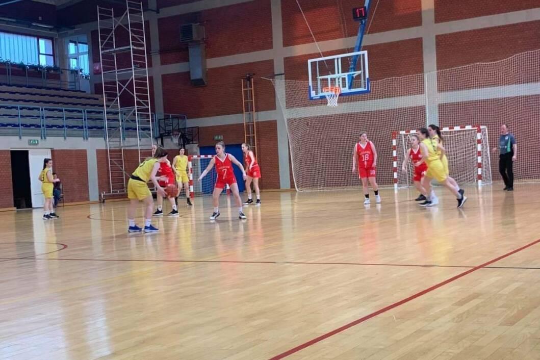 Mlade košarkašice