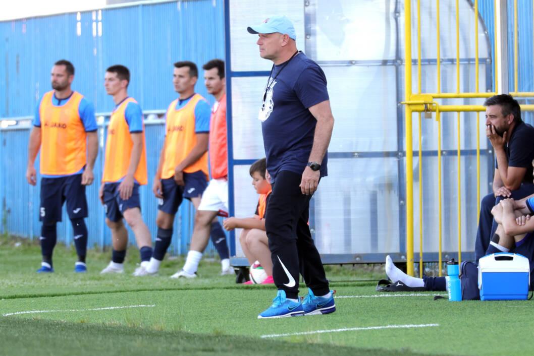 Trener Dražen Kemenović