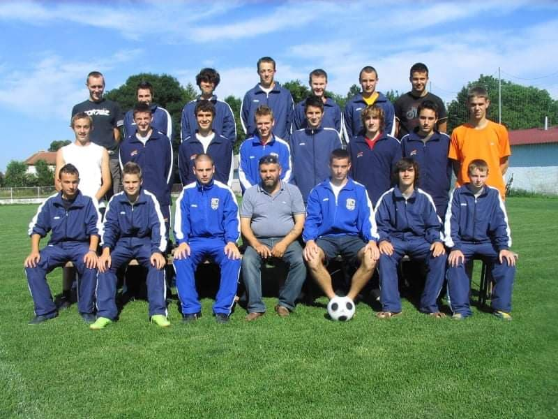 Pokojni Ivan Žvorc Cola s nogometašima Trnave iz Goričana