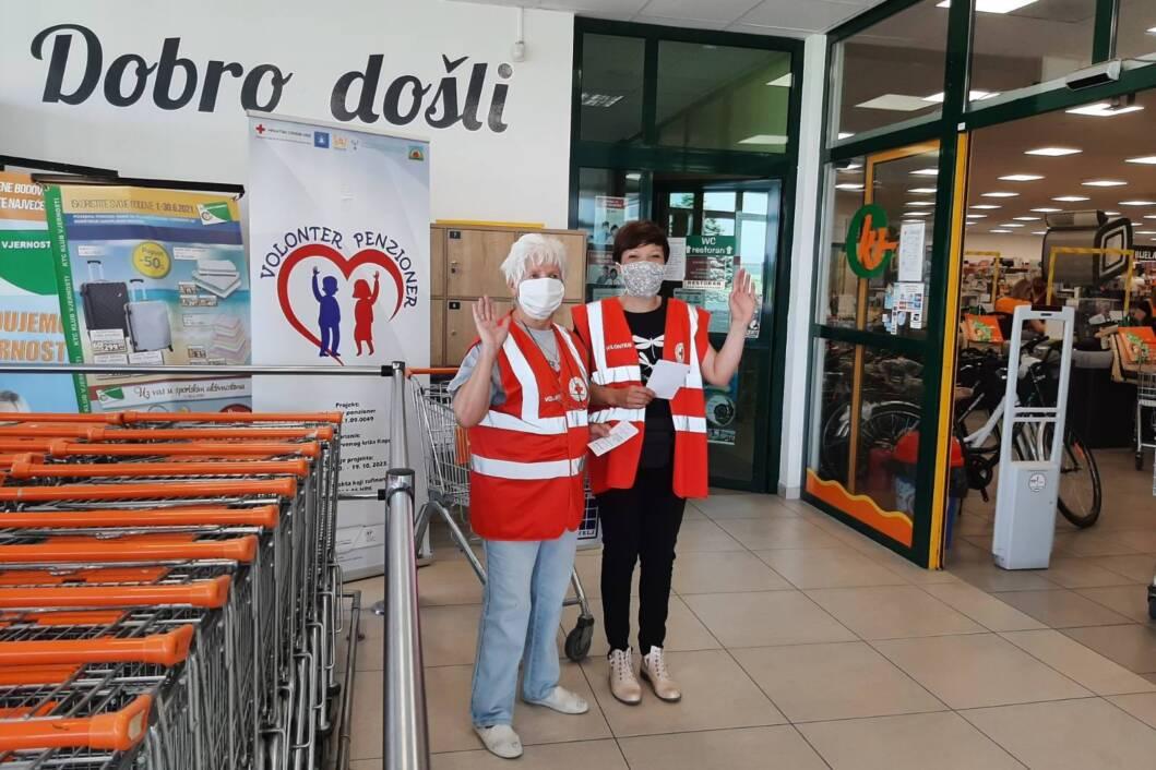 Milica i Nives Grubić, volonterke Crvenog križa