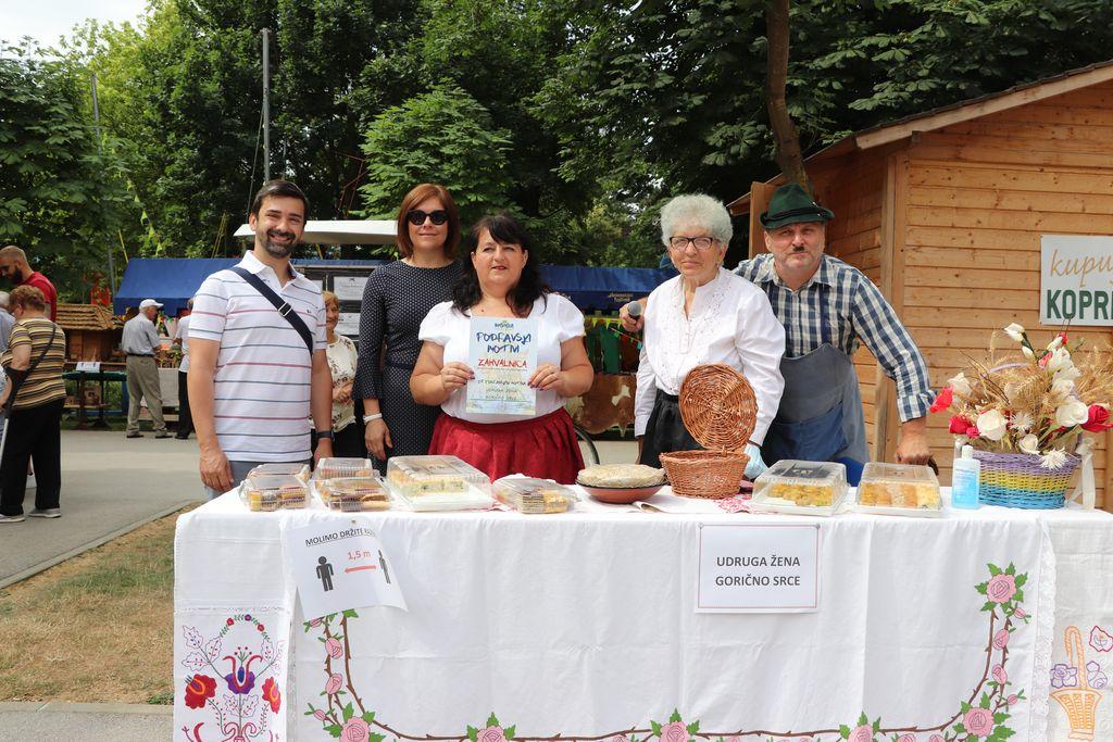 Izložba domaćih kolača