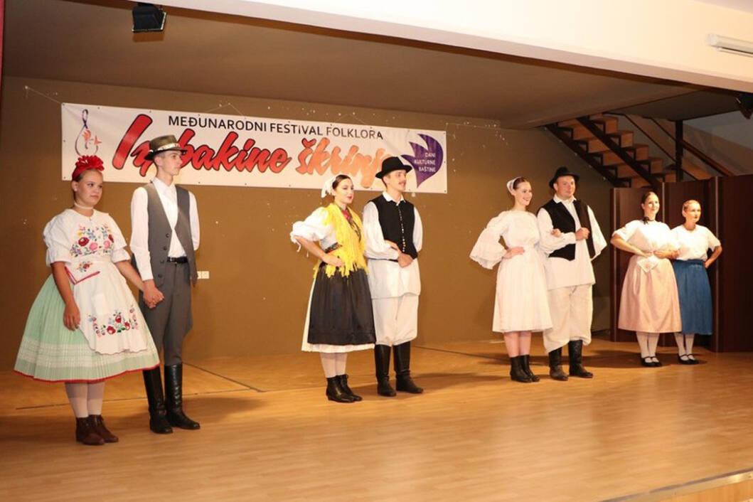 Međunarodni festival folklora Iz bakine škrinje
