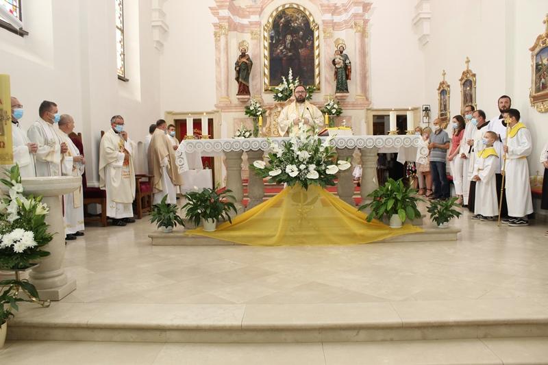 Sveta misa u župnoj crkvi svete Ane u Križevcima