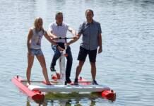 Kristina Sočev, Darko Koren i Ivan Sabolić već su isprobali bicikl za vodu na jezeru Šoderici
